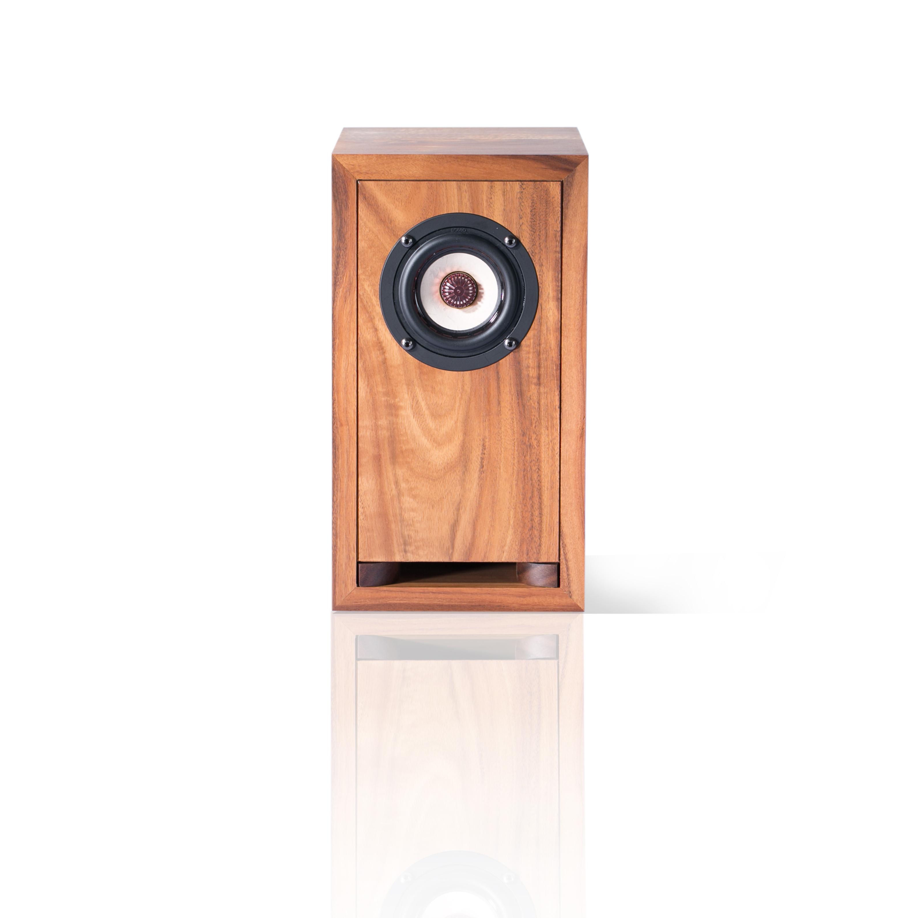 Acacia loudspeaker