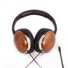 e-mu walnut headphone